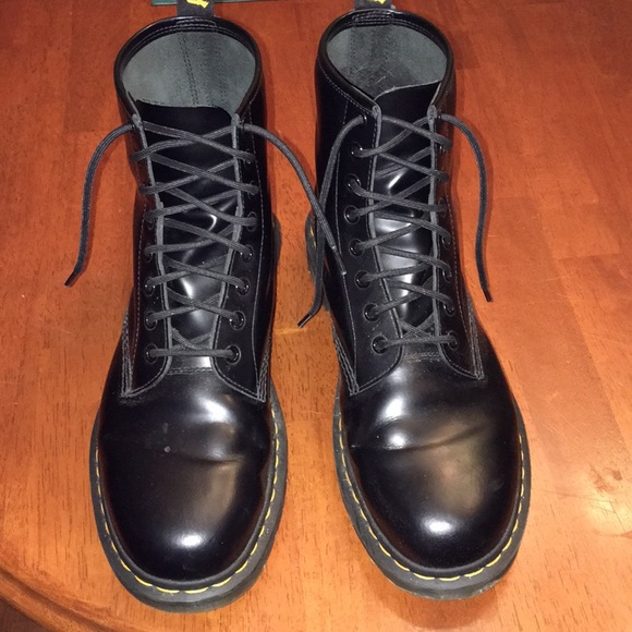 58abf8814ee5 Dr. Martens Other - Doc Martens 1460 Smooth black leather Size 10